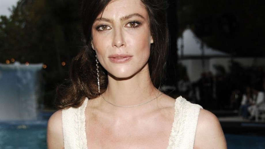 "Anna Mouglalis to star as 'free' woman in movie ""Jealousy"""