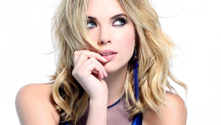 Ashley Benson courts controversy with DJ Heroin shirt