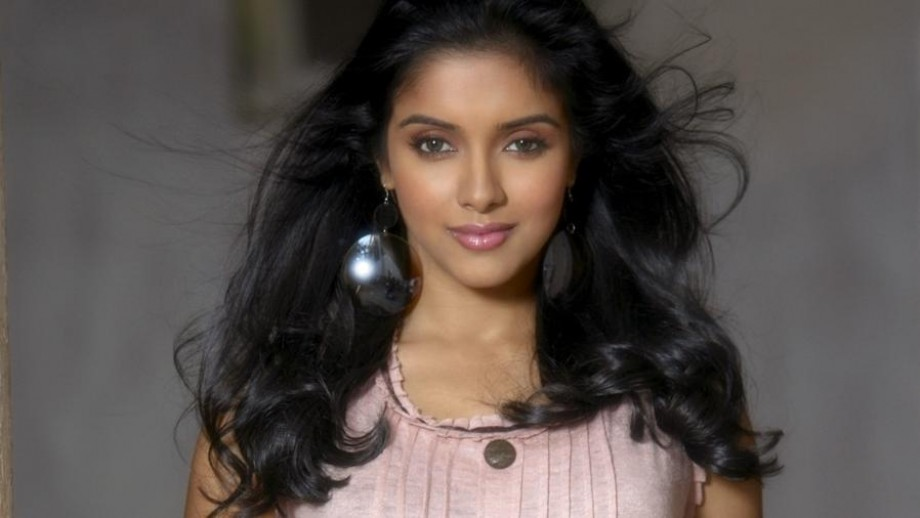 Asin Thottumkal takes career 'stand', will only act in meaty' roles