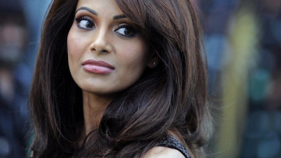 Bipasha Basu heats up movies and Internet with fit physique