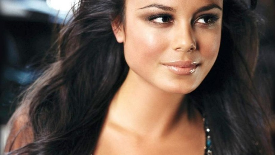 It is time for Nathalie Kelley to prove she can be a Hollywood star