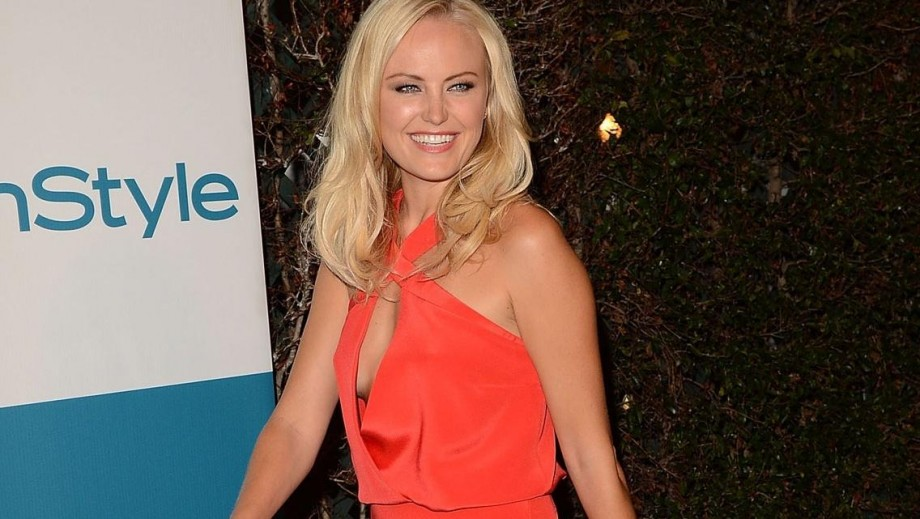 Malin Akerman changes tattoo, moves forward as single mother