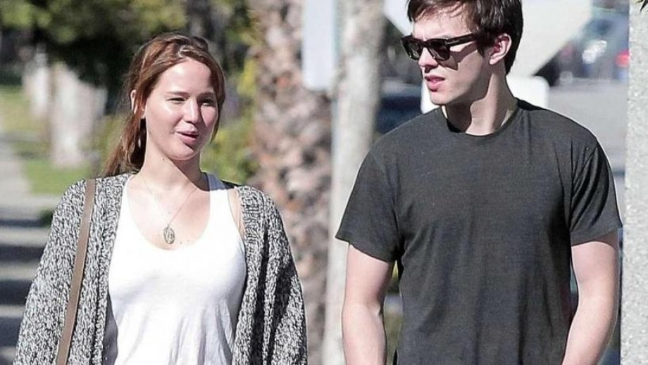 "Nicholas Hoult filming ""Kill Your Friends"", no time for wedding ... yet"