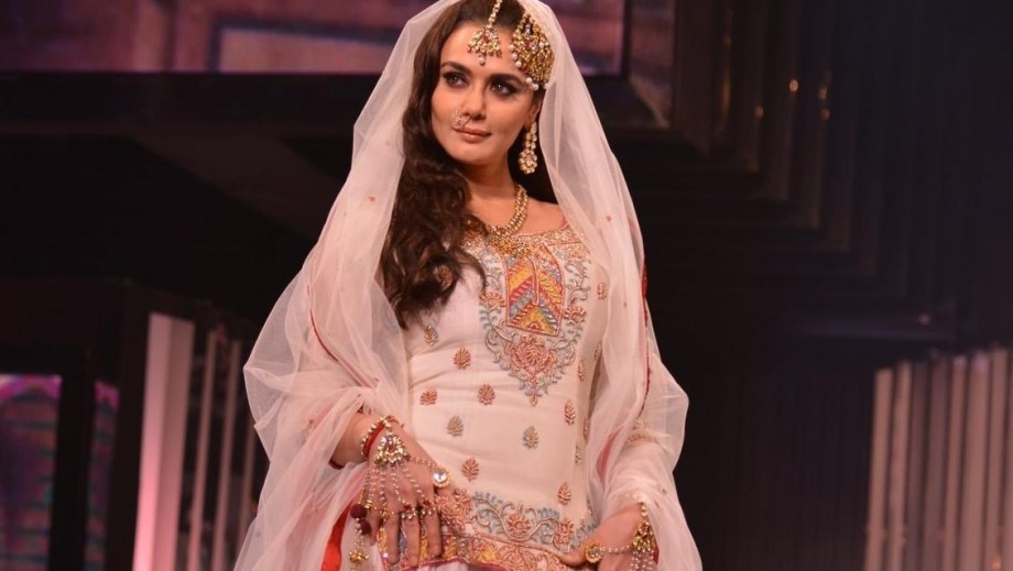 "Preity Zinta joins ""Happy Ending"" in midst of Ness Wadia legal battle"