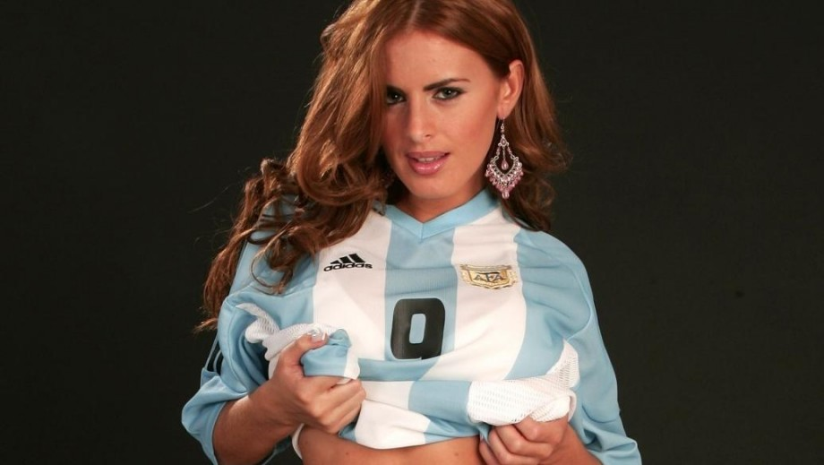 Silvina Luna attracts attention as Fox Sports host for Brazil World Cup