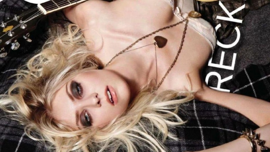 "Taylor Momsen stays connected with ""Ask Taylor"" on Loudwire"