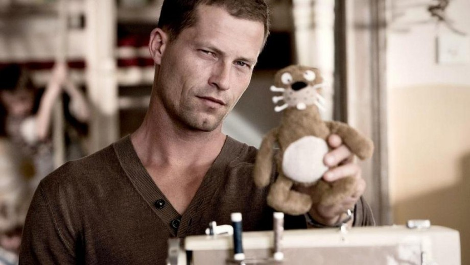 "Til Schweiger does not let separation impact ""Honey in the Head"""