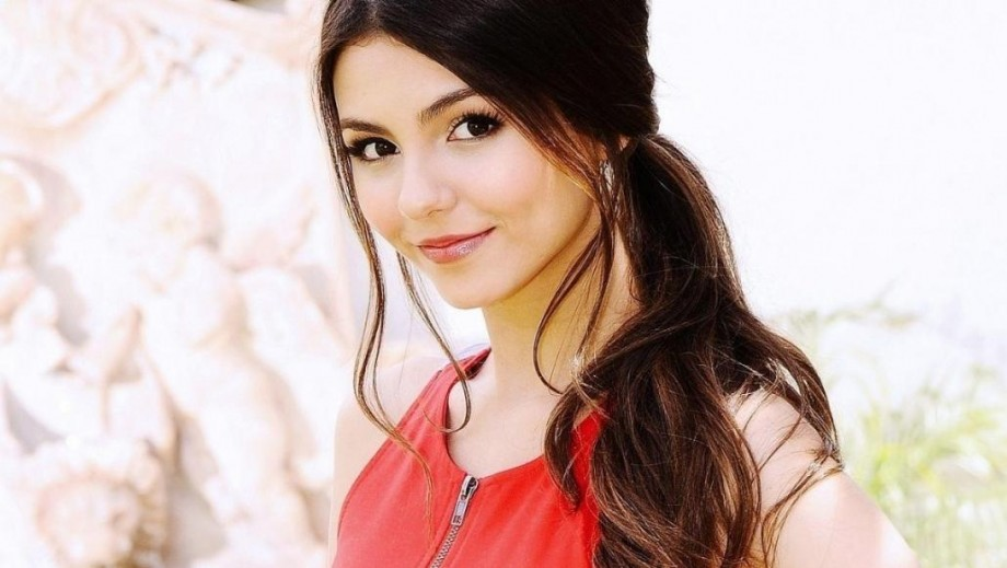 Victoria Justice is Eye Candy