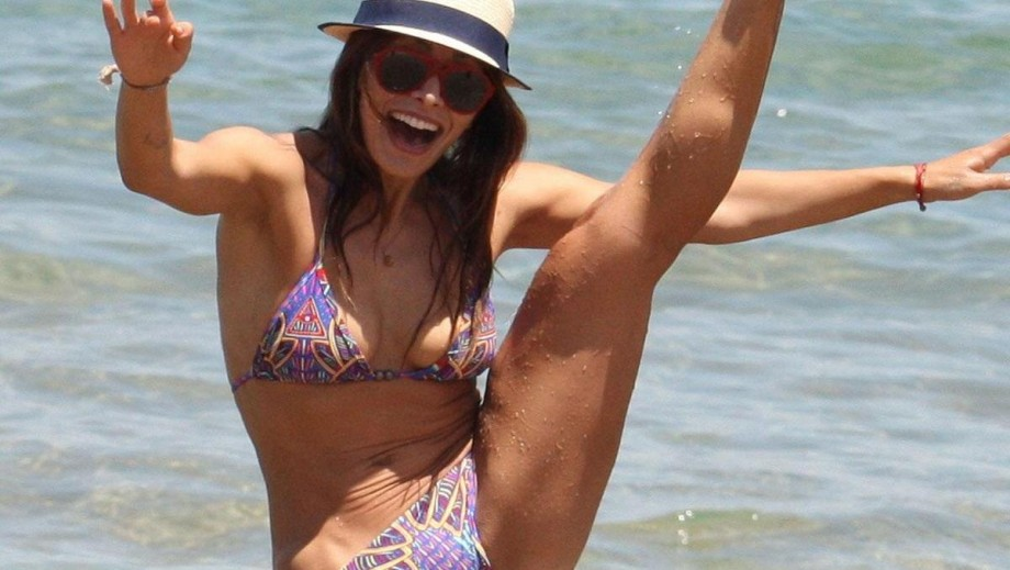 18 Times Sarah Shahi Proved She Is A Hot Hollywood Star News