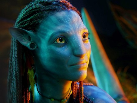 Zoe Saldana Neytiri In Avatar Wallpaper