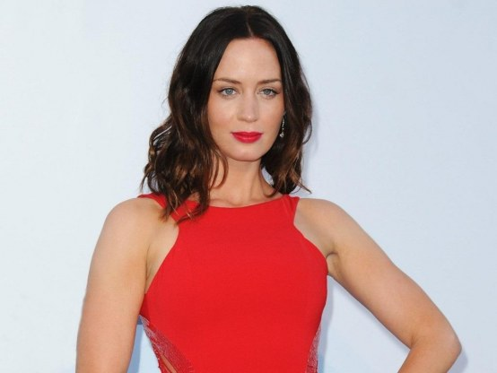 Wallpaper Emily Blunt Wallpaper Red Dress Wallpaper Hd Wallpapers Wallpaper